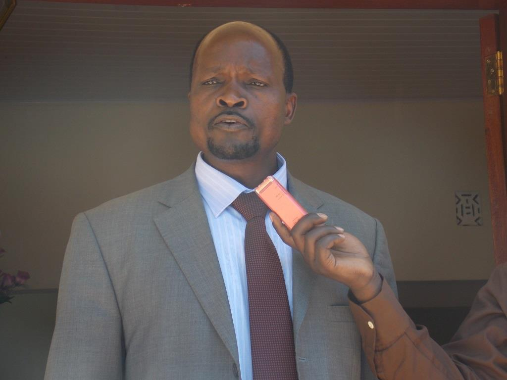 Migori-Governor-Okoth-Obado-addressing-a-function-at-his-office-in-Migori-town-yesterday.-He-said-he-wont-meet-MPs-in-Nairobi..